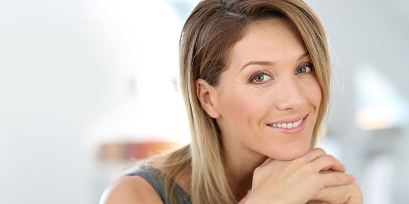 portrait-of-attractive-and-smiling-businesswoman